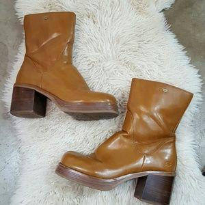 Vintage Skechers 8.5 festival heeled boots